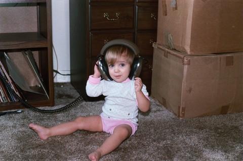 Ginny_headphones
